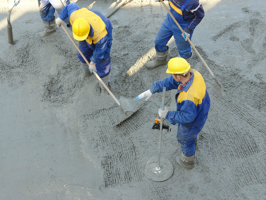 concrete experts doing concrete commercial